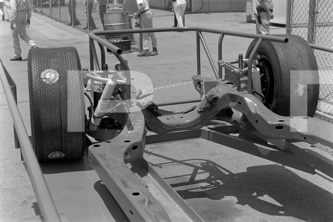 1971 GM Nascar Chassis Front.jpg