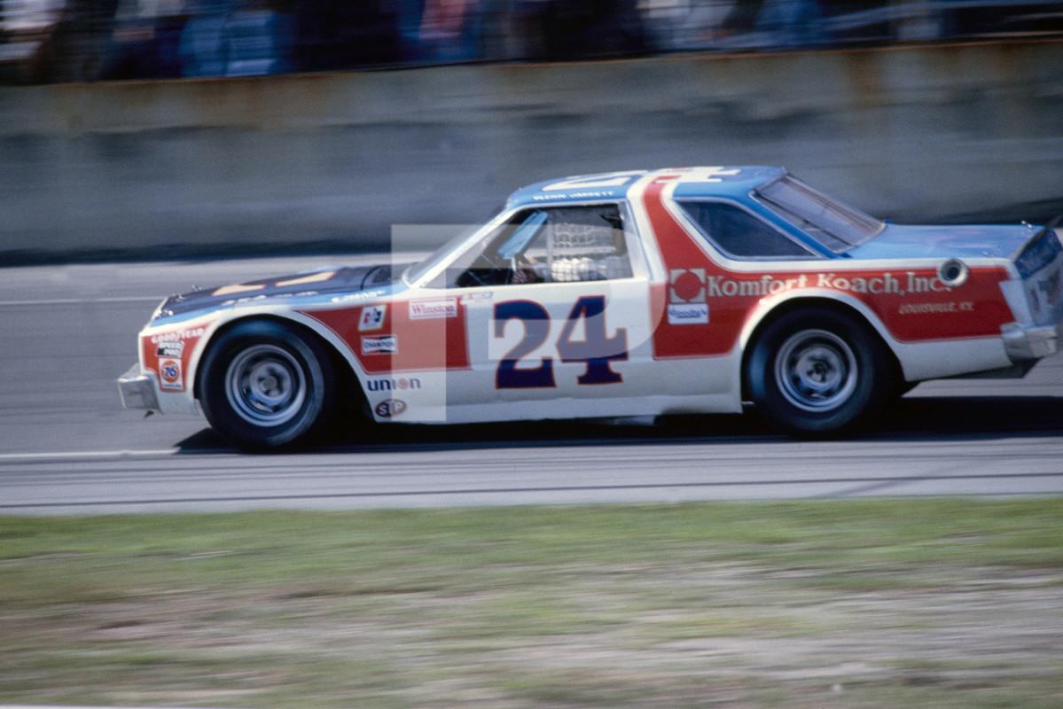 Bill Elliot 1982 Daytona.jpg