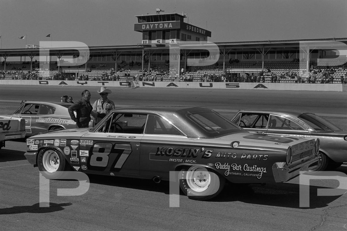 Donnie Allison 1970 NASCAR Sportsman.jpg