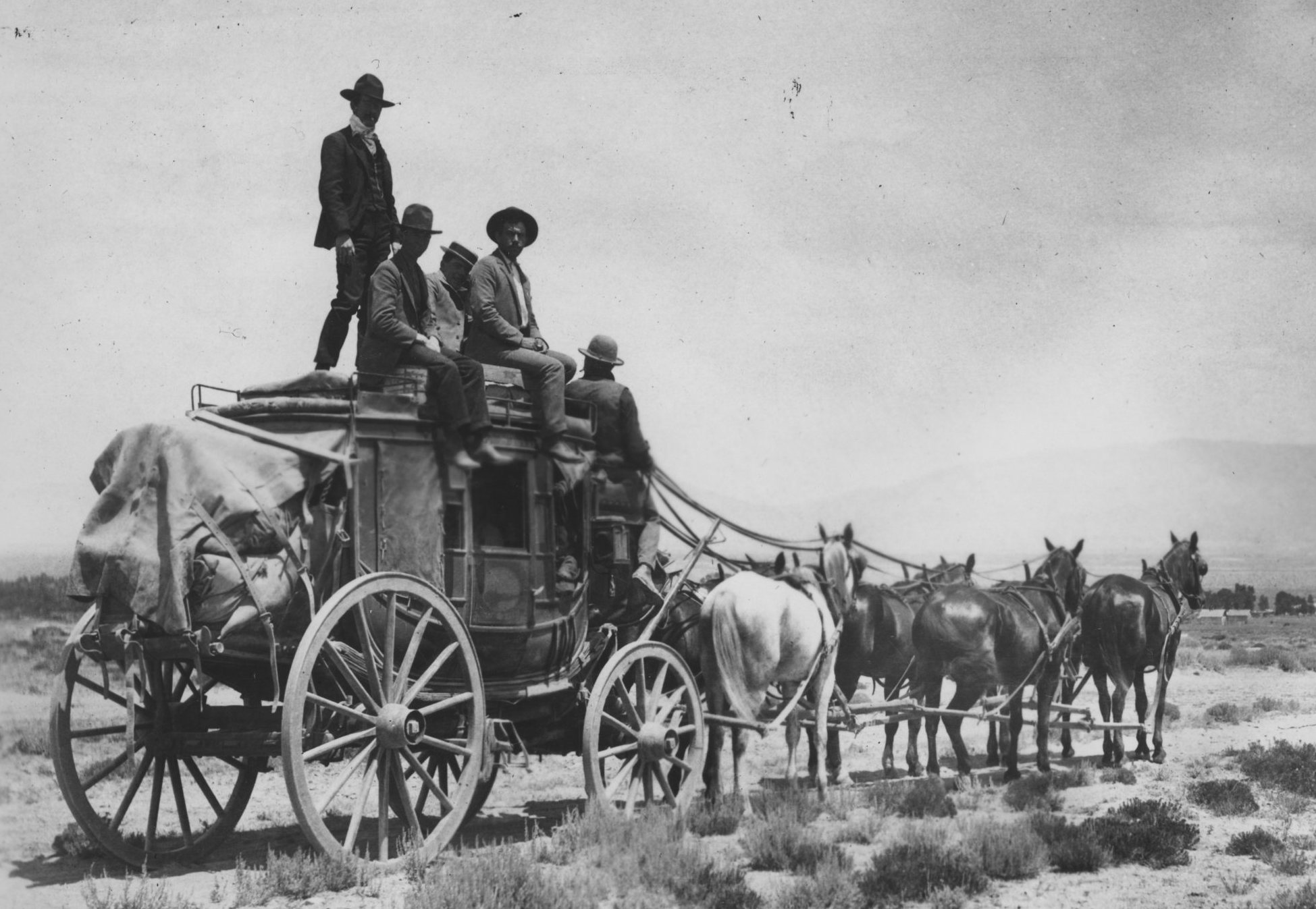 eight-stagecoach.jpg