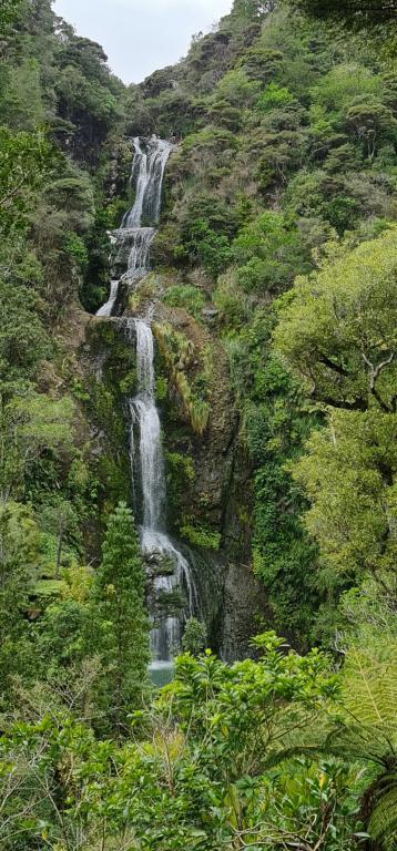 mini_Kitekite falls pic 1.jpg
