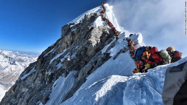 Mount Everest Traffic Jam 2019 1.jpg