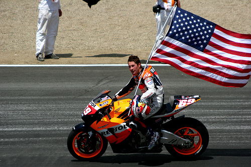 nicky-hayden-flag3.jpg