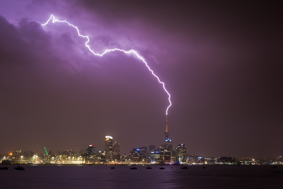Skytower lightning strike.jpg
